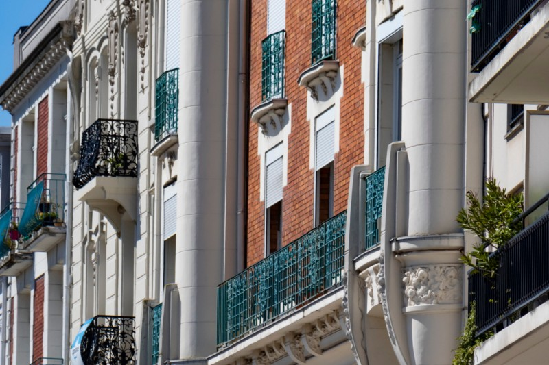 facades-place-armes-douai-douaisis-nord-france-843